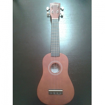 Ukulele sopr. Redwood